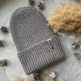 Серая шапка из шерсти мериноса