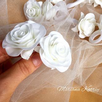 Резинки «Білі троянди», резиночки для дівчинки, квіти з фоамірану
