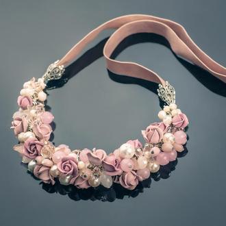 """Колье """"Пудровые розы"""" агат, жемчуг, опал, хрусталь, розовый кварц"""