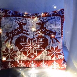 Новогодняя вязанная подушка ручной работы. Скандинавский узор