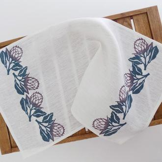 Льняное полотенце с цветами