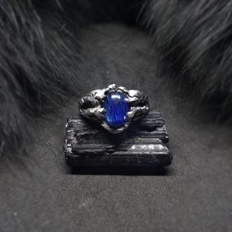 Кольцо Зимний сон, кианит, сплав олова, меди, серебра