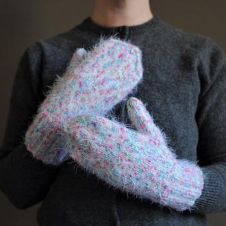 Перчатки белые пушистые