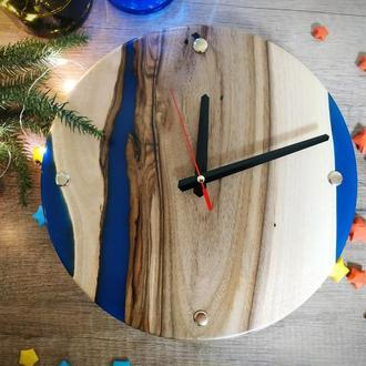 Годинники з дерева синя річка