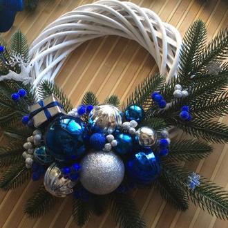 Рождественский венок синий с серебром