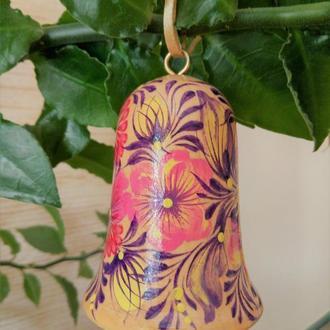 Сувенир - колокольчик деревянный расписной Зорька с язычком
