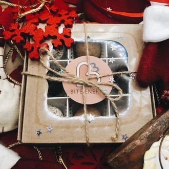 Новогодний набор натуральных конфет ⚡️ Bite Energy в подарочной коробке 3*3