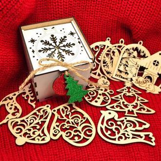 Подарочный Набор Деревянных Новогодних Елочных Игрушек 12 шт в Белой Коробке + Украшение на Ёлку из
