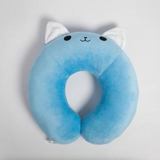 Котенок Айси, подушка для путешествий.