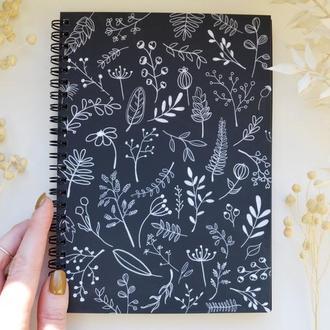 """Блокнот А5 черные страницы и белая ручка. 90 листов. Авторская иллюстрация """"Сухоцветы"""""""