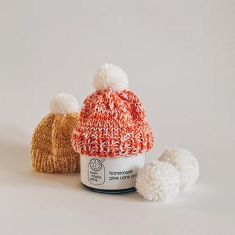 Варенье из сосновых шишек в оранжевой вязанной шапочке. Новогоднее предложение.
