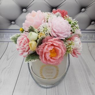Букет цветов пионов из мыла