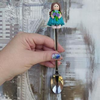 Ложка с декором куколка