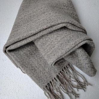 Светлый шарф