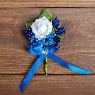 Бутоньерка для жениха, свидетеля и\или гостей синяя