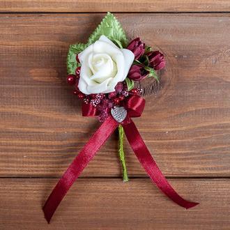Бутоньєрка для нареченого, свідка та\або гостей марсала