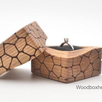 Дерев'яна коробочка скринька футляр для кільця