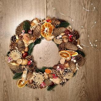 Рождественский венок из природных материалов