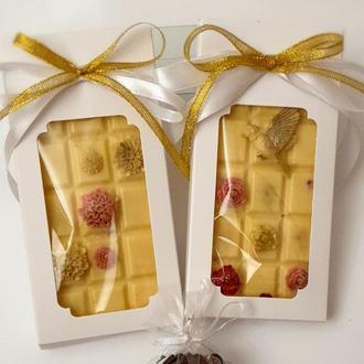 Белый шоколад, шоколад с малиной, подарок