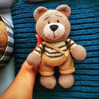 Ведмедик вязаний