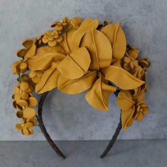 Ободок с цветами из кожи