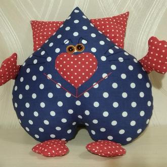 """Подушка """"Кот-Сердцеед"""" в сине-красном цвете. Объемная 3D-аппликация."""
