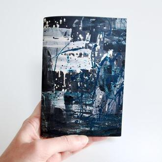 Блокнот с черными страницами и белая ручка. Формат А5 и А6. Авторская иллюстрация Портрет девушки №3