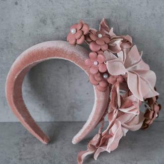 Бархатный ободок с цветами из кожи и бархата