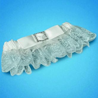 Подвязка на ногу невесты в белом