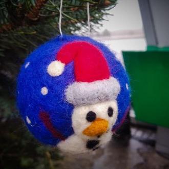 """Елочный шар """"Снеговик"""", сухое валяние"""
