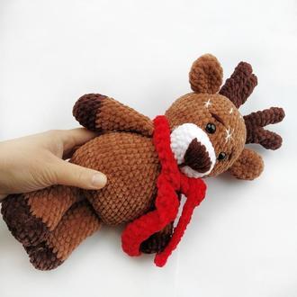 Рождественский олень. Плюшевый олень