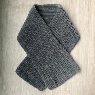 Велюровый шарф  темно-серого цвета