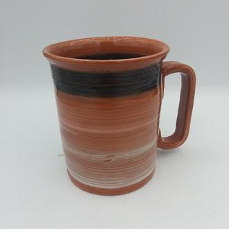 Большая керамическая чашка.