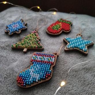 Набор игрушек из бисера на ёлку (елочные игрушки)