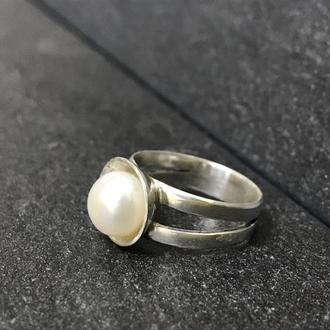 Кольцо серебряное с жемчугом ручной работы