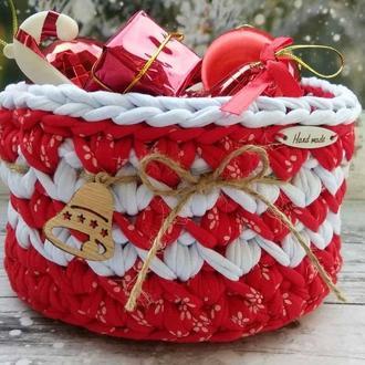 Новорічний декор для дому, новорічна подарункова плетена корзинка з трикотажної пряжі