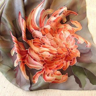 Шелковый платок с росписью Серо красный платок Подарок девушке