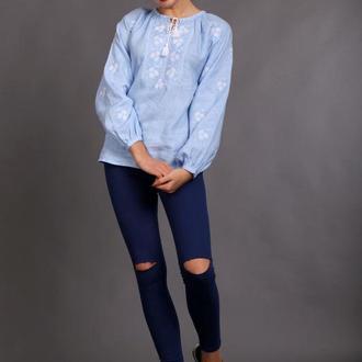 Женская вышиванка из голубого льна 56