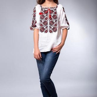 Белая женская вышиванка Этно (черно-красная вышивка)