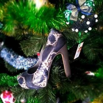 Женские туфли на высоком каблуке, ручной работы из натуральной кожи , с натуральной кожей питона.