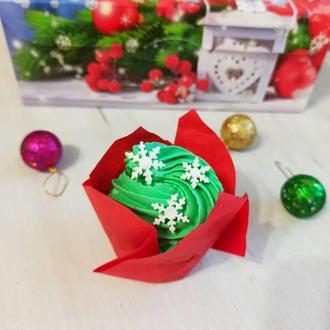 Новогодние капкейки в праздничной коробке