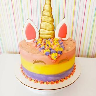 Торт з Единорожкой
