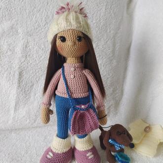 Куколка с таксой