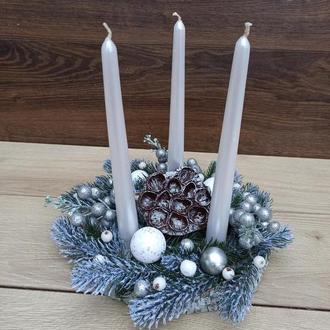 Новорічна різдвяна композиція зі свічками на стіл Новорічний різдвяний підсвічник зі свічками