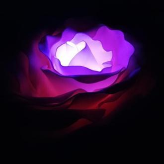 """Світильник """"Троянда + 2 бутона. Всі кольори веселки."""" (Лампа з пультом, 15 кольорів)"""