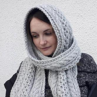 Вязаный шарф с капюшоном