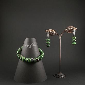 Комплект украшений из цоизита и серебра 925 пр.