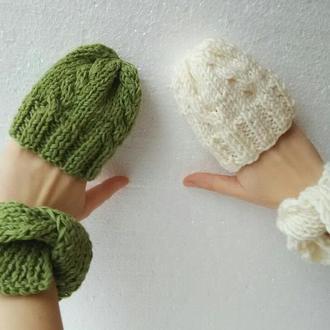 Вязаные шапки и шарфики для кукол, Вязаные одежды для куклы