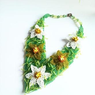 Зеленое колье из бисера Свадебное колье купить Украина Колье цветочное Ожерелье нарциссы из бисера