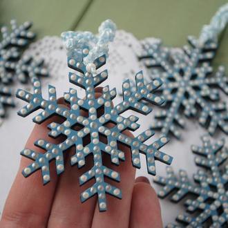 Деревянная снежинка с точечной росписью / декор для дома / Новогодняя игрушка Игрушка на ёлку